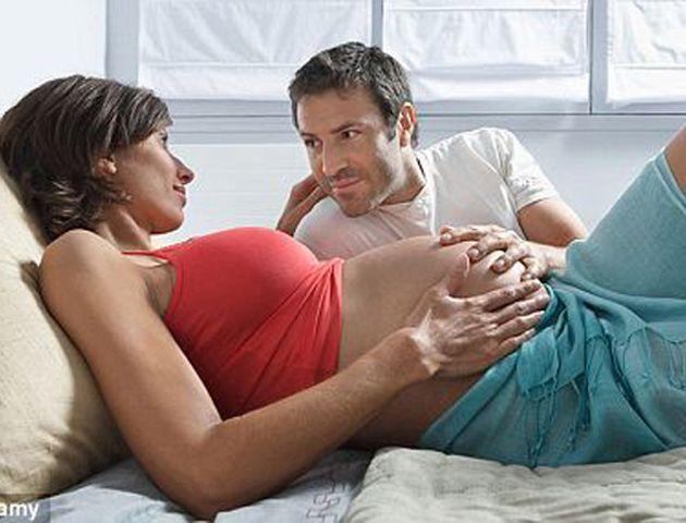 El descenso de nacimientos como consecuencia de las olas de calor queda en parte compensada por un aumento de partos en los meses posteriores.