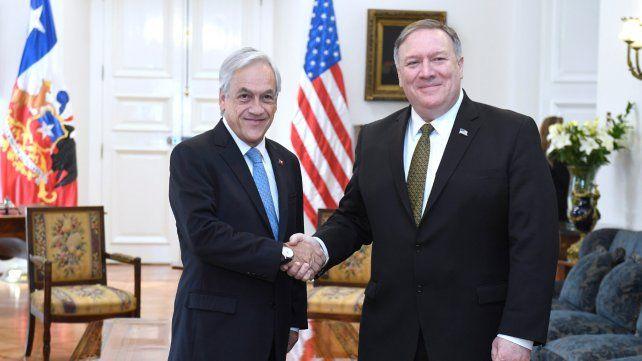 Amigos. Piñera recibió a Pompeo en La Moneda. Reiteró que debe descartarse una invasión a Venezuela.