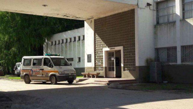 Traslados. La ambulancia en la puerta del Abelardo Freyre