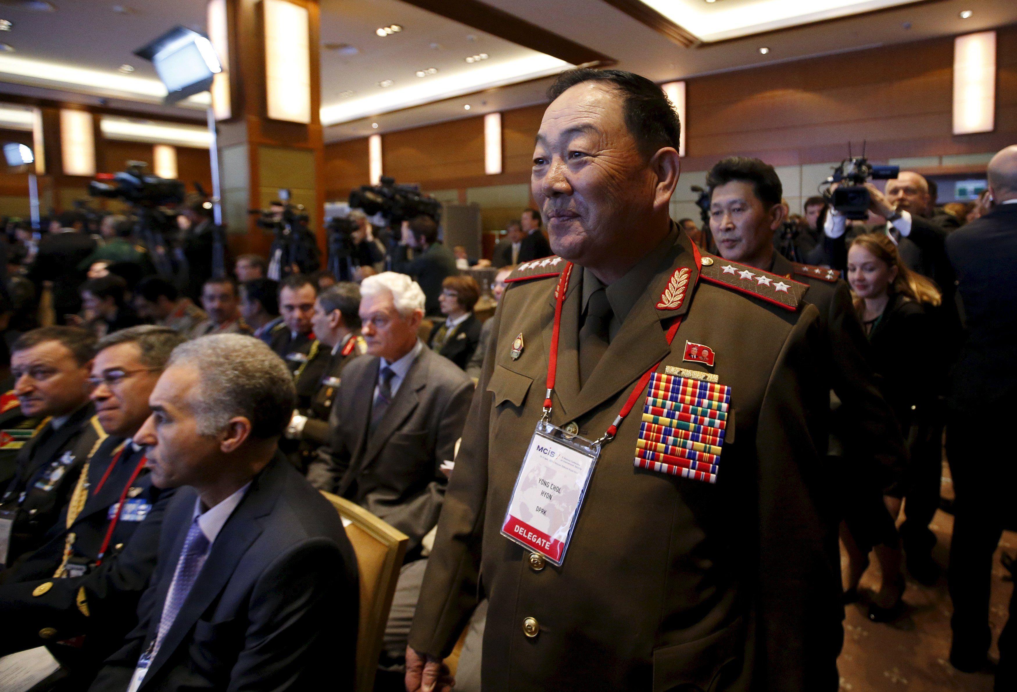 Purgas. Hyon fue visto por última vez en público en abril cuando asistió a una cumbre de seguridad en Moscú.