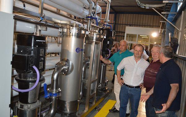El módulo de Ultraósmosis. Ya funciona en la planta de agua.