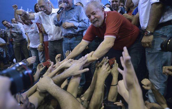 en su salsa. Lula saluda a sus fieles en San Pablo el viernes