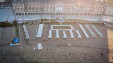 POSTAL AÉREA. Imagen de la rambla de Mar del Plata tomada con una dedicatoria a Maradona.