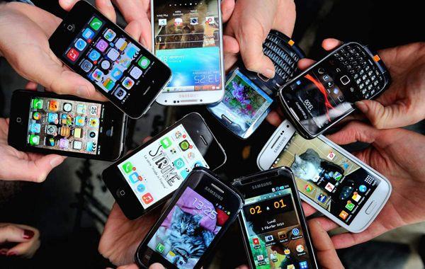 El teléfono móvil para conectarse a internet subió 6 puntos y ronda el 40% de las preferencias.