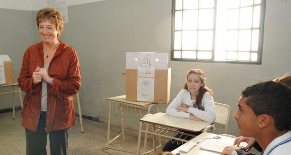 Rasino explicó que la propuesta oficial permitirá a los docentes jubilarse tres o cuatros años antes