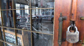Frente a las nuevas medidas del goibernno, los locales gastronómicos rosarinos se enfrentan al peligro de tener que bajar las persianas.