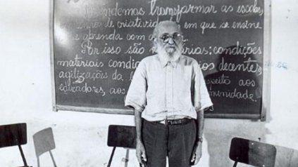 Paulo Freire nació el Recife en 1921 y su legado se recoge en infinidad de propuestas concretas de vínculo dialógico.