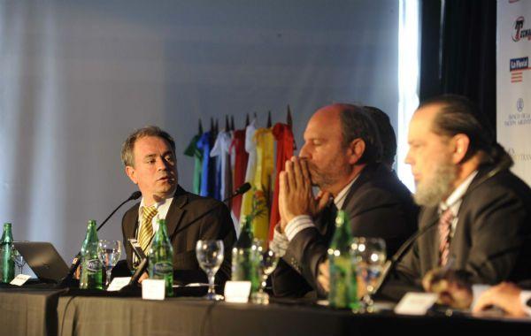 Hidrovía. Representantes de empresas y gobiernos del Mercosur apuestan a la integración fluvial. (Foto: S. Salinas)
