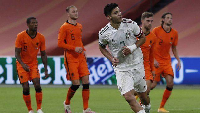 Raúl Jiménez hizo el gol del triunfo a los 15 minutos del segundo tiempo