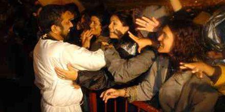 El padre Ignacio renovó el encuentro con los fieles en un multitudinario Vía Crucis