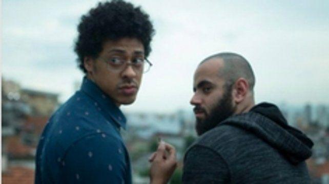 Opuestos. Biriba (Luis Navarro) y Salim (Henrique Santana).