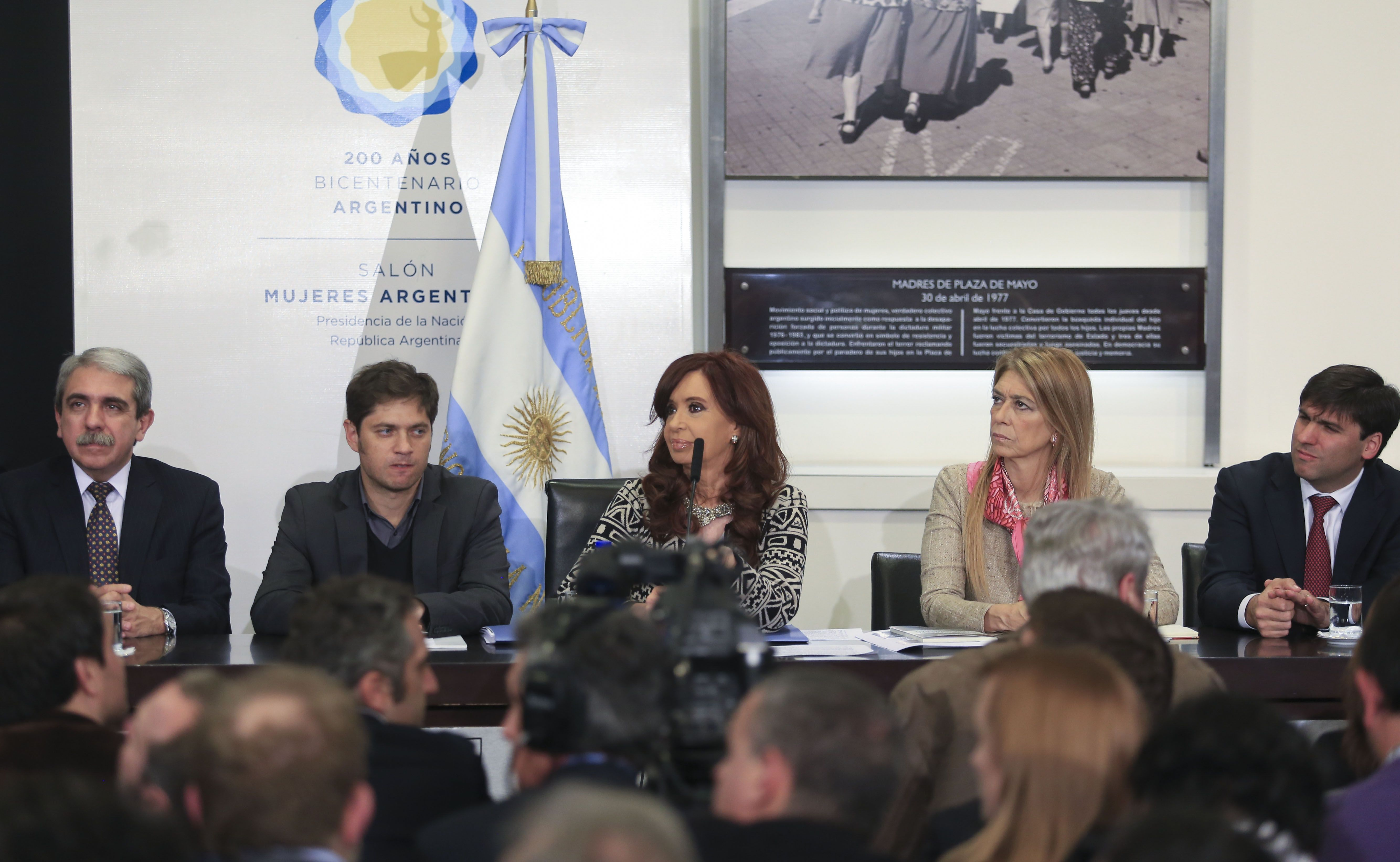 Anuncios. La presidenta Cristina Fernández de Kirchner habló en el Salón de las Mujeres de la Casa Rosada.