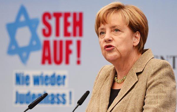 La canciller alemana llamó a luchar contra el antisemitismo.