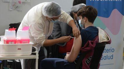 La vacunación contra el coronavirus en Rosario está avanzando entre los adolescentes.