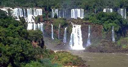 Las Cataratas del Iguazú están casi secas y preocupa la situación