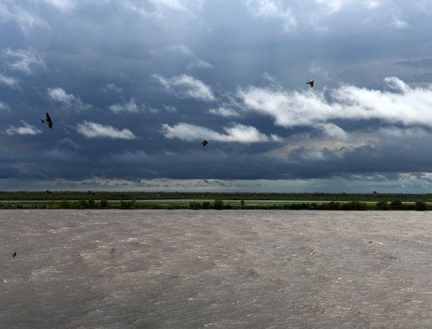 El parte completo indica que áreas de lluvias y tormentas afectan la región.