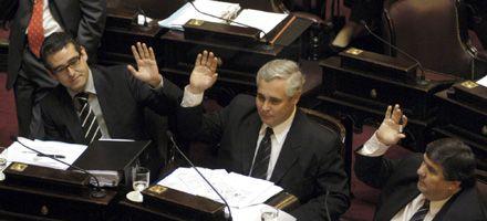 El gobierno ya tiene presupuesto y superpoderes para todo el 2009