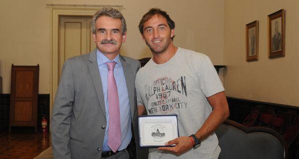 El Chapa Retegui presentó a Rossi el proyecto Hockey para Todos