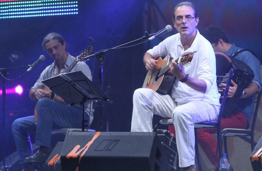 Fandermole y Los Palmeras fueron ovacionados en una noche a puro baile en Cosquín