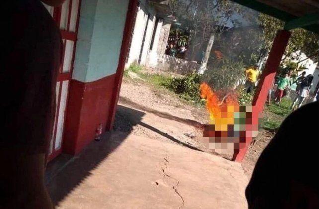 Quemaron vivo a un hombre acusado de violar y decapitar a una nena
