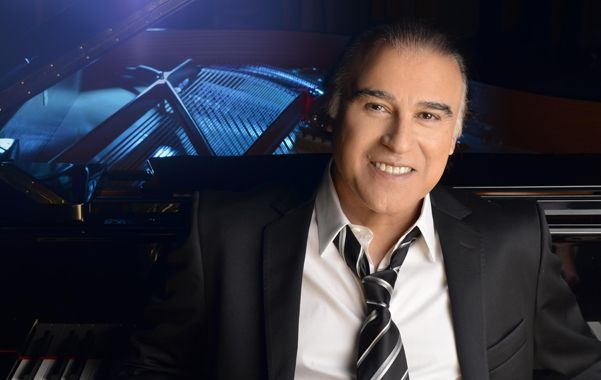 Una máquina de crear hits. Paz Martínez dijo que llegará a la ciudad con toda su banda y que hasta se dará el lujo de cantar algunos tangos.