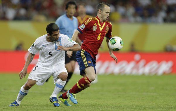 Lucha en el medio. Andrés Iniesta