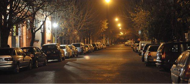 En el microcentro de Rosario se podrá estacionar en ambos manos por la noche.