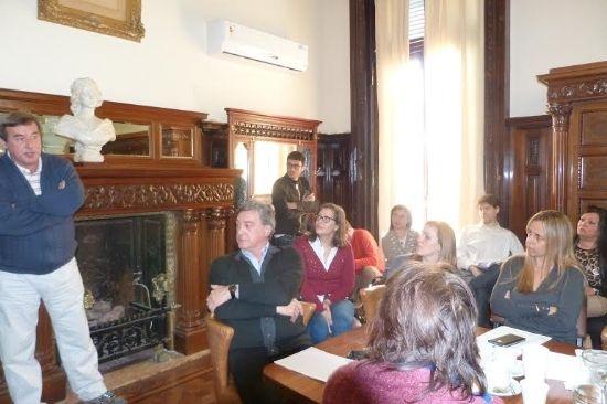 Referentes del Colegio de Abogados local y de organizaciones no gubernamentales expusieron ayer ante la comisión de Gobierno del Concejo.