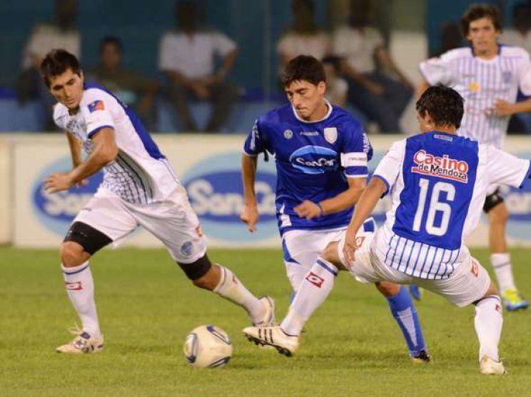 Godoy Cruz de Mendoza recibirá hoy a Atlético de Rafaela en un partido de la 15ta. fecha del torneo Final.