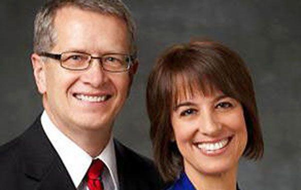 El pastor mormón David Raúl Robertson y su esposa.