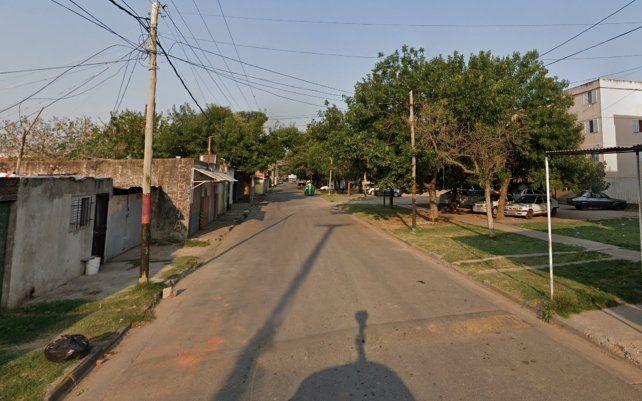 La agresión se registró en las primeras horas de la madrugada de este lunes en una vivienda ubicada en la calle Laguna del Desierto al 3.800.
