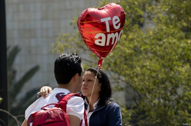 Los enamorados del mundo celebran su día el 14 de Febrero.