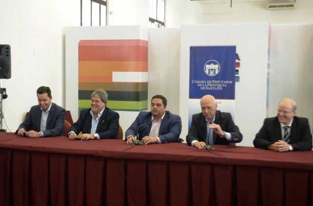 Diálogo. Legisladores de Santa Fe y Córdoba analizaron la crisis de Sancor junto al ministro Triaca.