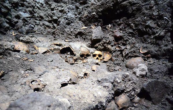 El tzompantli encontrado corresponde a la sexta etapa constructiva del Templo Mayor (1486-1502).