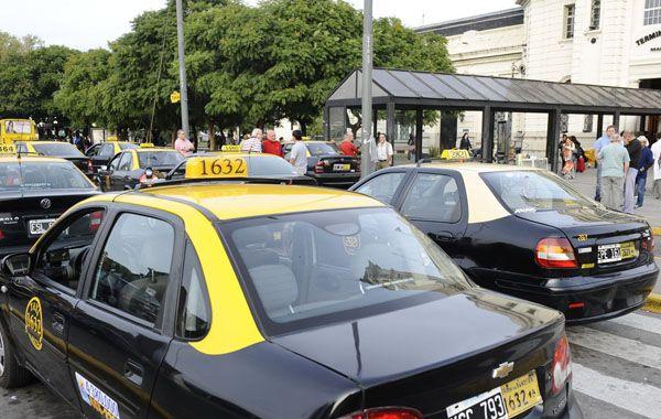 La encuesta que encargaron en el Palacio Vasallo tallará en la inminente discusión tarifaria del servicio de taxis en la ciudad.