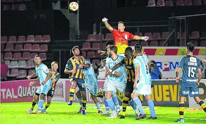2018/19. Sol de Mayo (Viedma) 2-2 (penales 4-5). Ledesma; Molina, Nicolás Giménez, Cabezas y Jonás Aguirre; Lioi (46