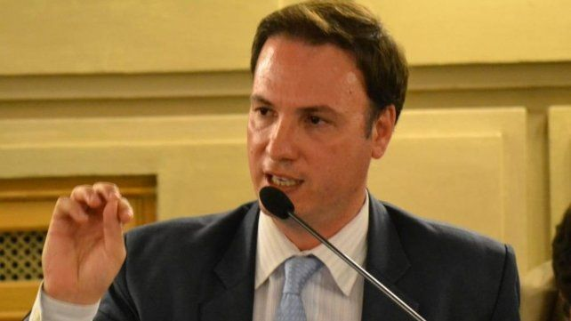 Senador Lisandro Enrico.