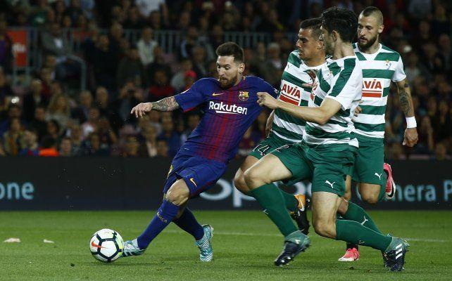 Messi se despachó con un poker de goles en otra goleada de Barcelona