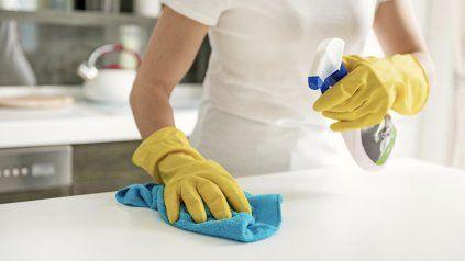 Anunciaron un aumento salarial del 42% para personal doméstico de todo el país