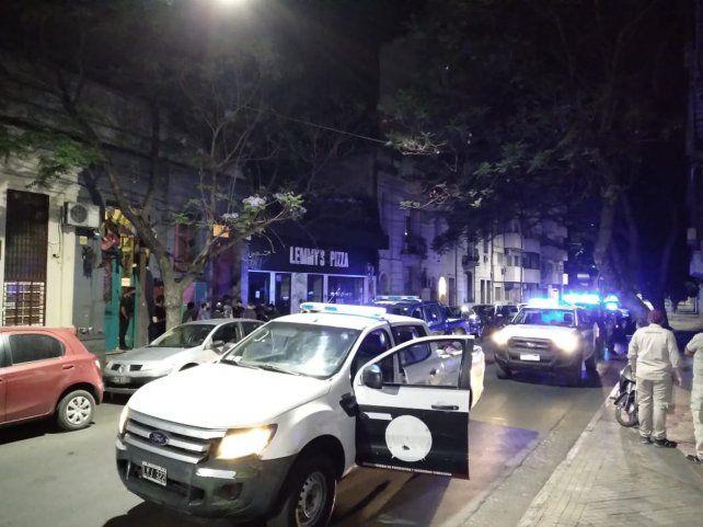 Más de 200 demorados por una fiesta clandestina en un bar céntrico