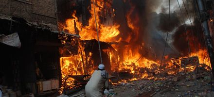Pakistán y Afganistán se hunden en el caos por la violencia talibán