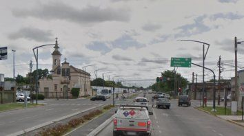 Un mujer que iba como acompañante en una moto murió en un choque en zona Oeste