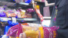 Los productos alimenticios y de higiene elaboradospor empresas de la región ganan espacio en súper,autoservicios y almacenes.