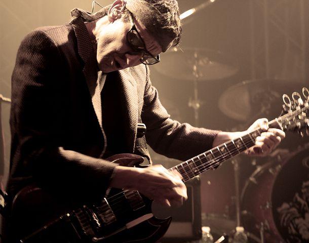 El ex violero de Los Redondos repasa los temas del nuevo disco.