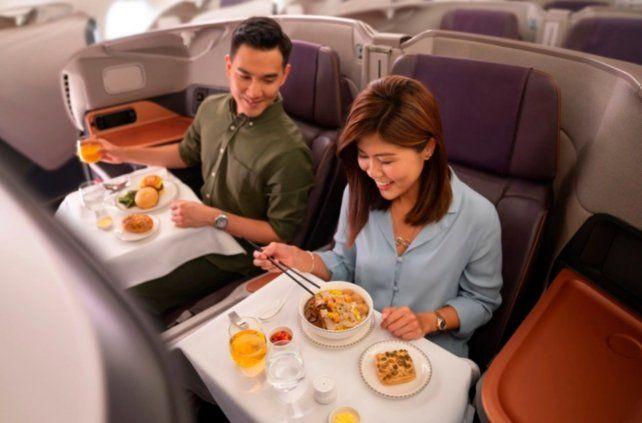 Coronavirus: una aerolínea transformó sus aviones en restaurantes