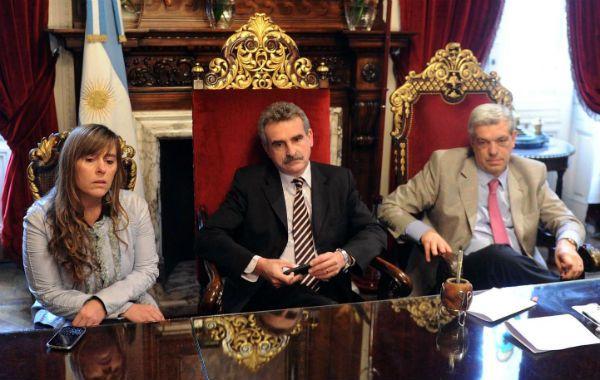 Agustín Rossi fijó posición sobre los reclamos de las fuerzas de seguridad: Esto no puede pasar en democracia