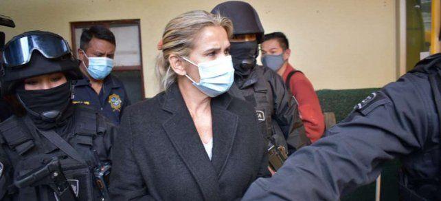 La ex mandataria permanece detenida en una comisaría de La Paz.
