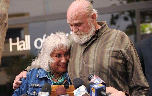 Libre. Michael Hanline con su esposa Sandy