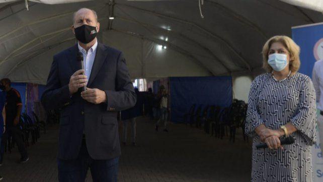 El gobernador Omar Perotti realizó anuncios junto a la ministra de Salud