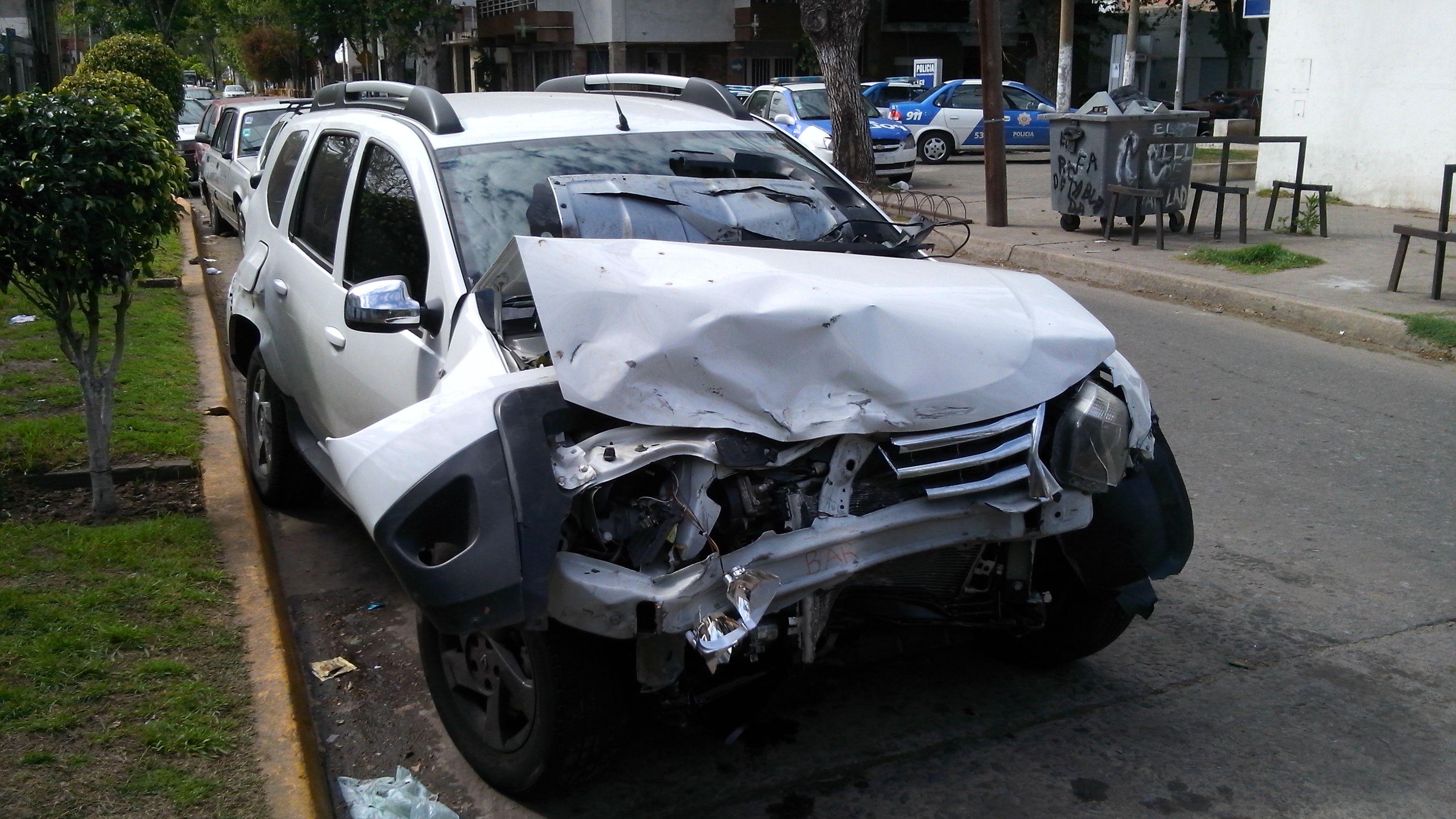 Entre Ríos y Ayolas. La Renault Duster que desencadenó el trágico accidente. (Foto: Angel Amaya).